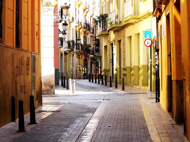 4 Factores determinantes para comprar locales baratos en Valencia